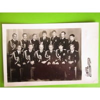 Фото.Лейтенанты ВМФ Германской Демократической Республики--выпускники Каспийского Военно-морского училища.1979год.