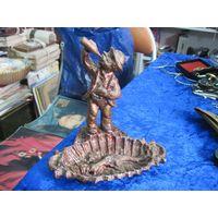 Пепельница-скульптура 15,5х14х11 см.
