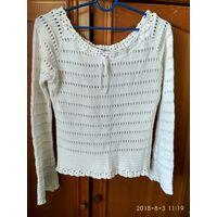 Красивый свитерок 44 размер
