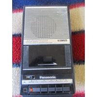 """Магнитофон """"Panasonic"""""""