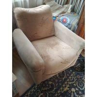 Кресло мягкое с подлокотниками, Румыния