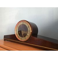 Каминные немецкие часы! На ходу! Комплектные! 1960-1970г.Бой каждые пол часа и час!!!