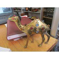 Дромедар-одногорбый верблюд, 12,5*10 см.
