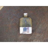 035 Фляжка стекло кожа Англия Серебрение