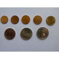 Таджикистан.Набор 2001 года из 8 монет (5+10+20+25+50 дирам ) + (1+3+5 сомони ) ОРИГИНАЛ.