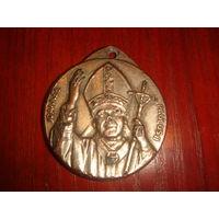 Медальон Иоанн Павел II