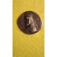 Монета Парфии. 90-77 гг. до н.э. Одна драхма, серебро.