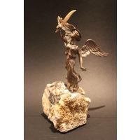 С  1 рубля!Бронзовая статуэтка на каменной подставке. Лот 21 / 24. Аукцион 5 дней!