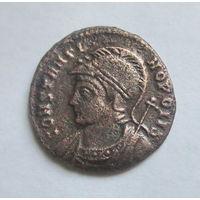 Древний Рим, Константин I (Великий), центенионалис; год: 330 - 333 н.э.; Константинополь... нога Виктории на носу судна; диаметр: 17.5 мм., вес: 2.33 гр.; состояние: бывает, но редко...