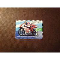 Австралия 2004 г. Чемпион мира по шоссейно-кольцевым мотогонкам Дэрил Битти .