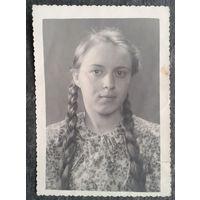 Фото девушки. 1952 г. Саратов. 8х11 см.