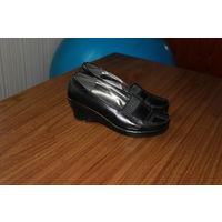 Черные туфли 36-го размера. Прудок.