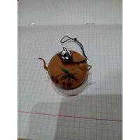 Елочная игрушка чайник
