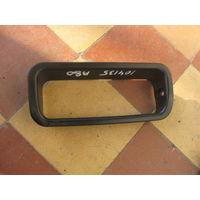 104135Щ Audi 80 b4 Рамка накладка дверной ручки 893867395