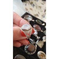 Кольцо с лунным камнем одуляр