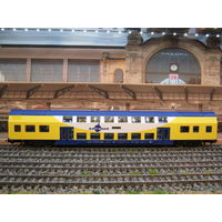 Пассажирский вагон двухэтажный metronom PIKO. Масштаб HO-1:87