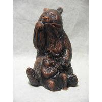 Медведица медведь с медвежонком, карболит