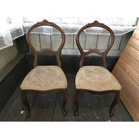 Два антикварных шведских стула