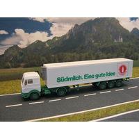 Модель грузового автомобиля Mercedes-Benz(3). Масштаб НО-1:87.
