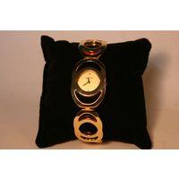 Женские часы Gucci 1384, оригинал