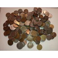 Монеты разных стран и времен   1.200 кг.