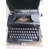 Пишущая печатная машинка ,,Olympia,, Германия 1945_48гг репарация