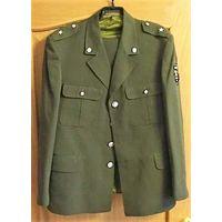 Китель и брюки майора белорусской армии до 1995 года. Все не ношенное. Размер 50/4.