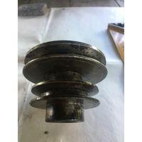 Из качественного  советского металла шкив  от неизвестного  станка или приспособления.