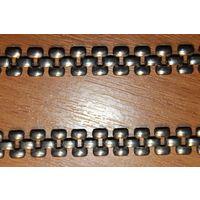 Металлическая цепочка с красивым плетением, длина 42 см, хорошее состояние.