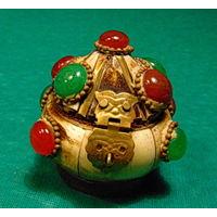 Приятно в такой шкатулке подарить любимой кольцо и т.д.