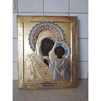Икона Казанская Пресвятая Богородица. Оклад серебро 84. Эмалевый венец