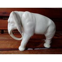 Слон фарфоровый Германия 50 года