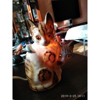 Ночник из фарфора Мама Кошка с котёнком производства ГДР семидесятые годы.