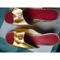 Босоножки женские золотисто-красные новые