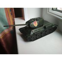 Модель танка Т-34-85, металл