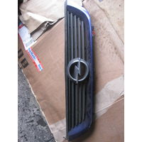102007 Opel Vectra B решетка радиатора