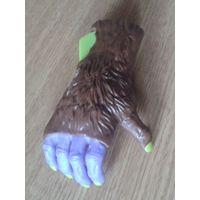 Игрушка из МакДональдс (рука)