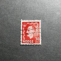 Марка Норвегия 1951 год Король