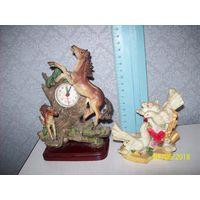 Фигурки голуби+часы настольные=пластик.есть повреждения у коней.цена за все.
