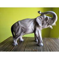 Большой, раненый, боевой слон, фаянс, Германия