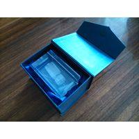 Гравировка в стекле в коробочке с магнитным замком. САМОСВАЛ