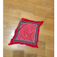 Яркий и эффектный платок Coccinelle, премиум