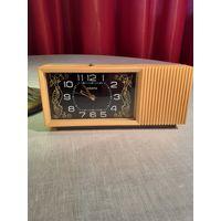 Часы - будильник НАИРИ с рубля , без МЦ. рабочие.