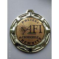 Медаль школы милиции ГДР.