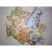 Куча банкнот низкий старт