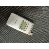 Мобильный телефон ретро samsung
