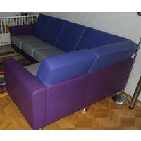 Элитный кожаный угловой диван-кровать KLER. Натуральная кожа, оригинальное сочетание трех цветов. Сделан под заказ.