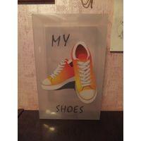 """Коробка для обуви пластиковая с ручкой """"Кеды"""", Размер 33 на 20, высота 12 см. Новые. Покупала для себя, очень удобно хранить обувь. Продаю излишек. Качественный пластик."""