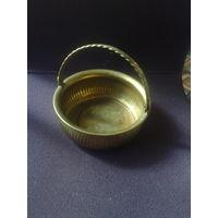Латунная корзинка конфетница Винтаж с рубля