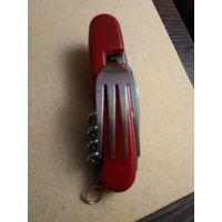 Складной перочинный нож на 6 предметов.